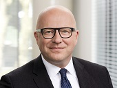 Compliance im Mittelstand – Ein Interview mit Christian Parsow, Ebner Stolz, über Herausforderungen und Lösungsansätze zur Implementierung robuster Compliance-Prozesse
